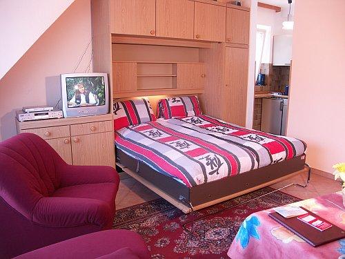 ferienwohnung haus sarah in b sum schlafzimmer. Black Bedroom Furniture Sets. Home Design Ideas